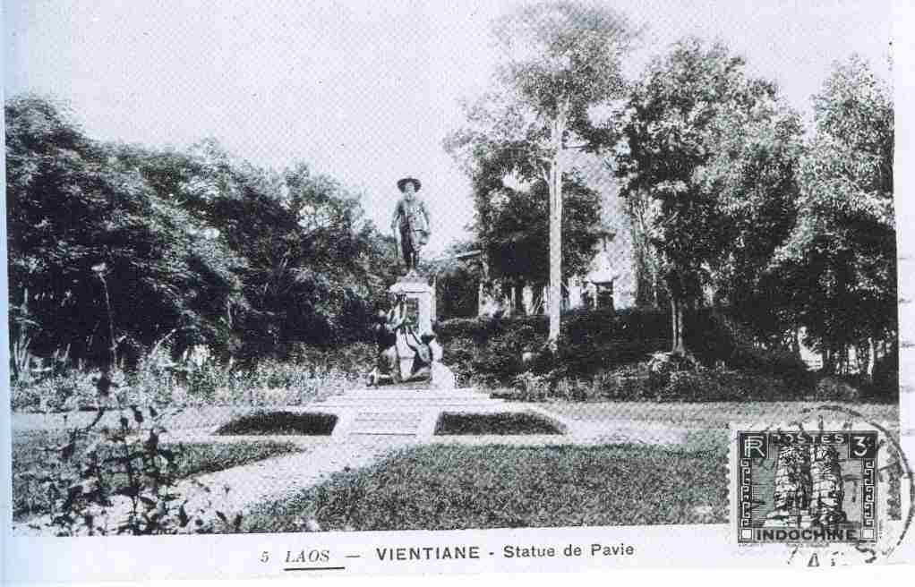 carte postale statue Pavie Laos