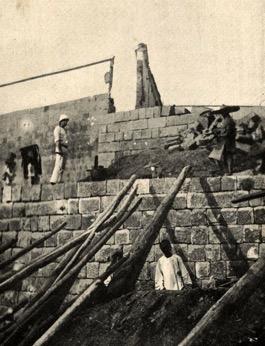 Construction 1902 – 1903 Source : Dans les rapides du Fleuve Bleu